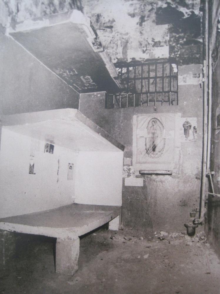 """""""Una de las celdas de la Penitenciaría de Lecumberri, 1980""""."""